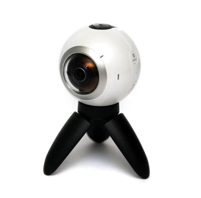 走在未來的 4K 全方位 360 環景相機 Samsung Gear 360!