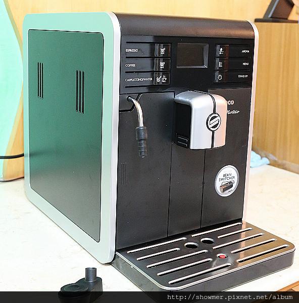 Philips 飛利浦 全自動義式咖啡機 喜客 Saeco Moltio HD8768 開箱小試
