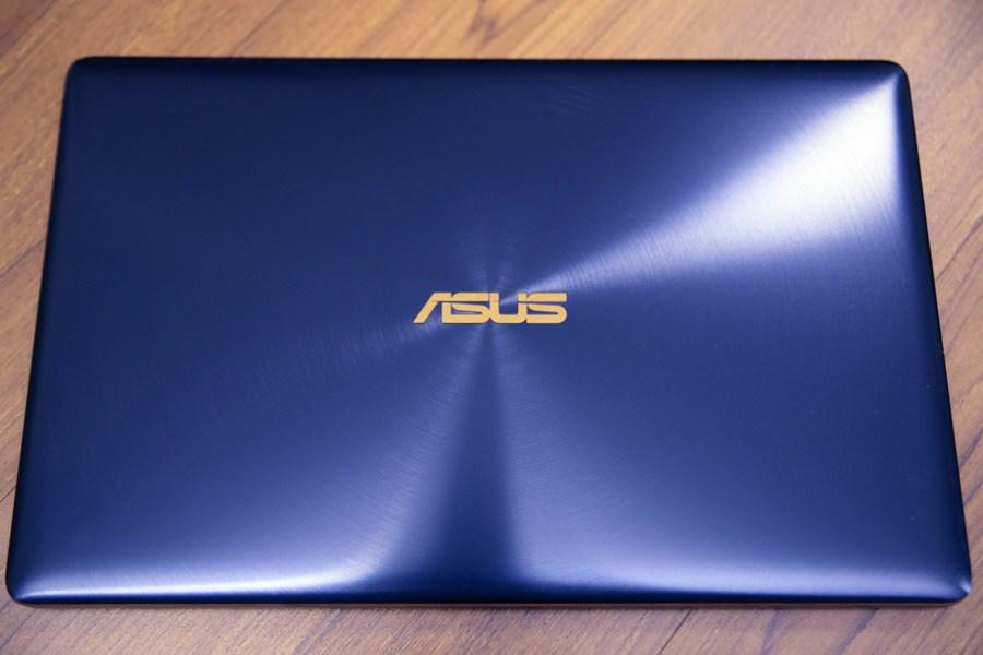 極度輕薄!ASUS ZenBook 3 UX390UA(皇家藍)開箱評測