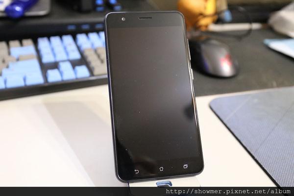 一加一 玩美雙鏡頭 ASUS ZenFone 3 Zoom 12 倍數位變焦 拍照更順心 開箱圖賞