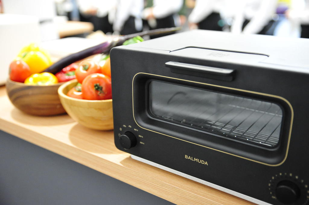 不用再去日本搬,BALMUDA The Toaster 烤麵包神器正式登台