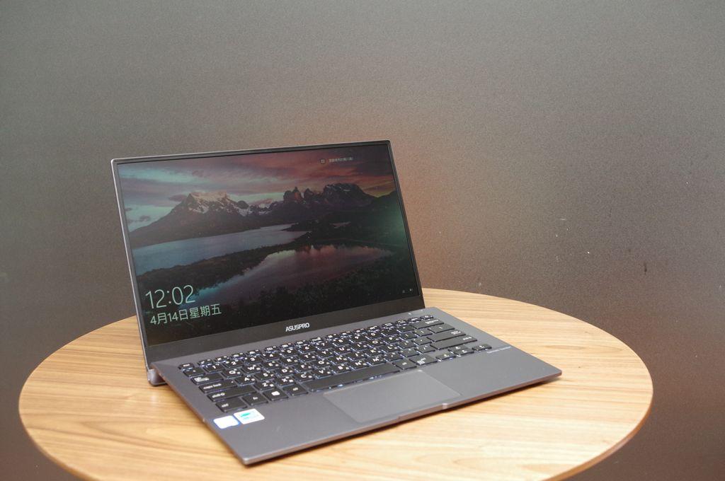 華碩ASUSPRO B9440開箱心得:超薄機身、極窄邊框的14吋商用筆電