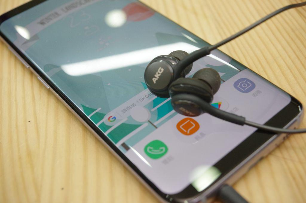 三星有史以來最強標配耳機?三星 Galaxy S8 標配 AKG by Harman 耳機動手玩