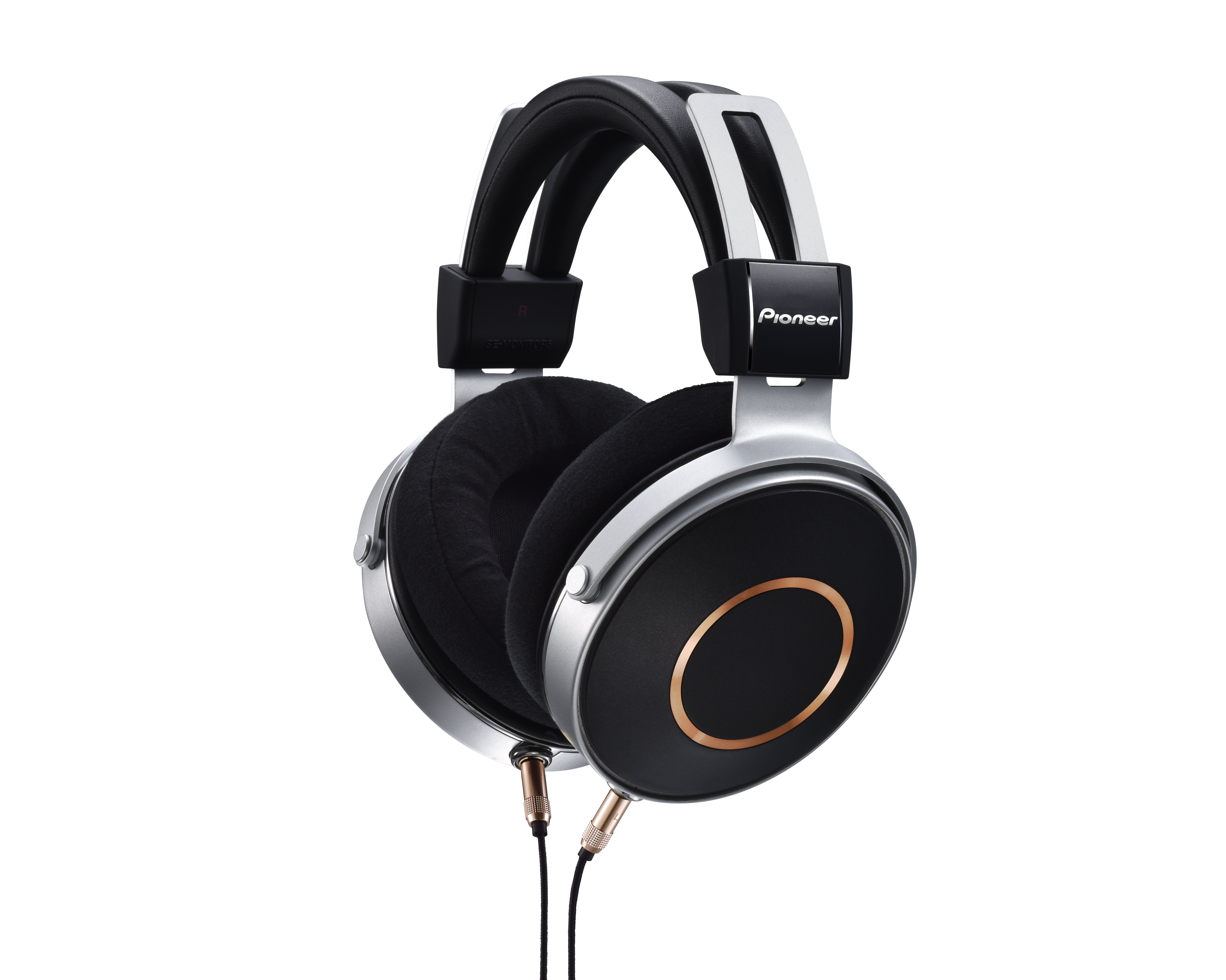 Pioneer 在台推出全新封閉高階耳機 SE-Monitor 5 ,繼承經典耳機 Monitor 10 精神