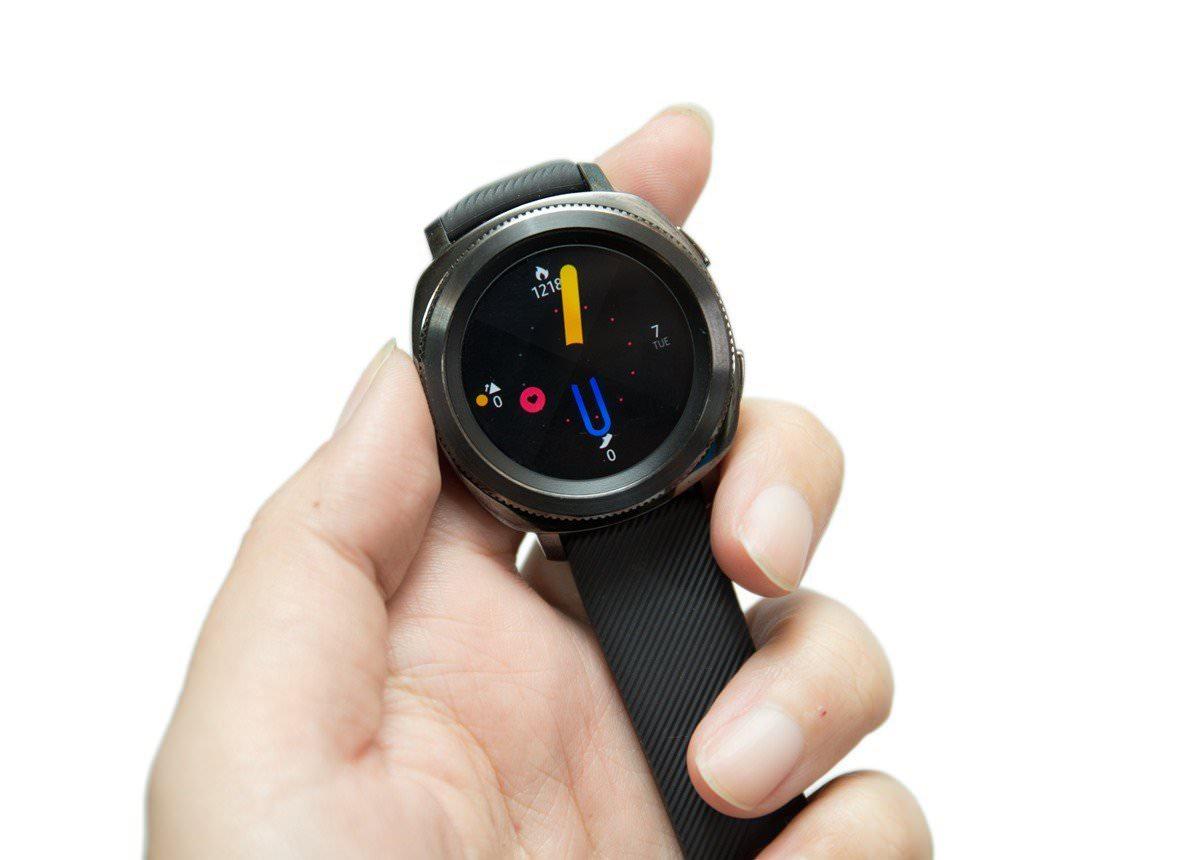 游泳也行!挑戰最完美運動型智慧手錶 Gear Sport 開箱