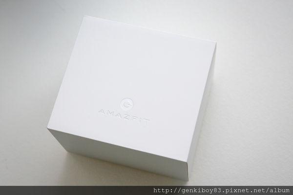 不用一直充電的Amazfit米動手錶-青春版開箱實測