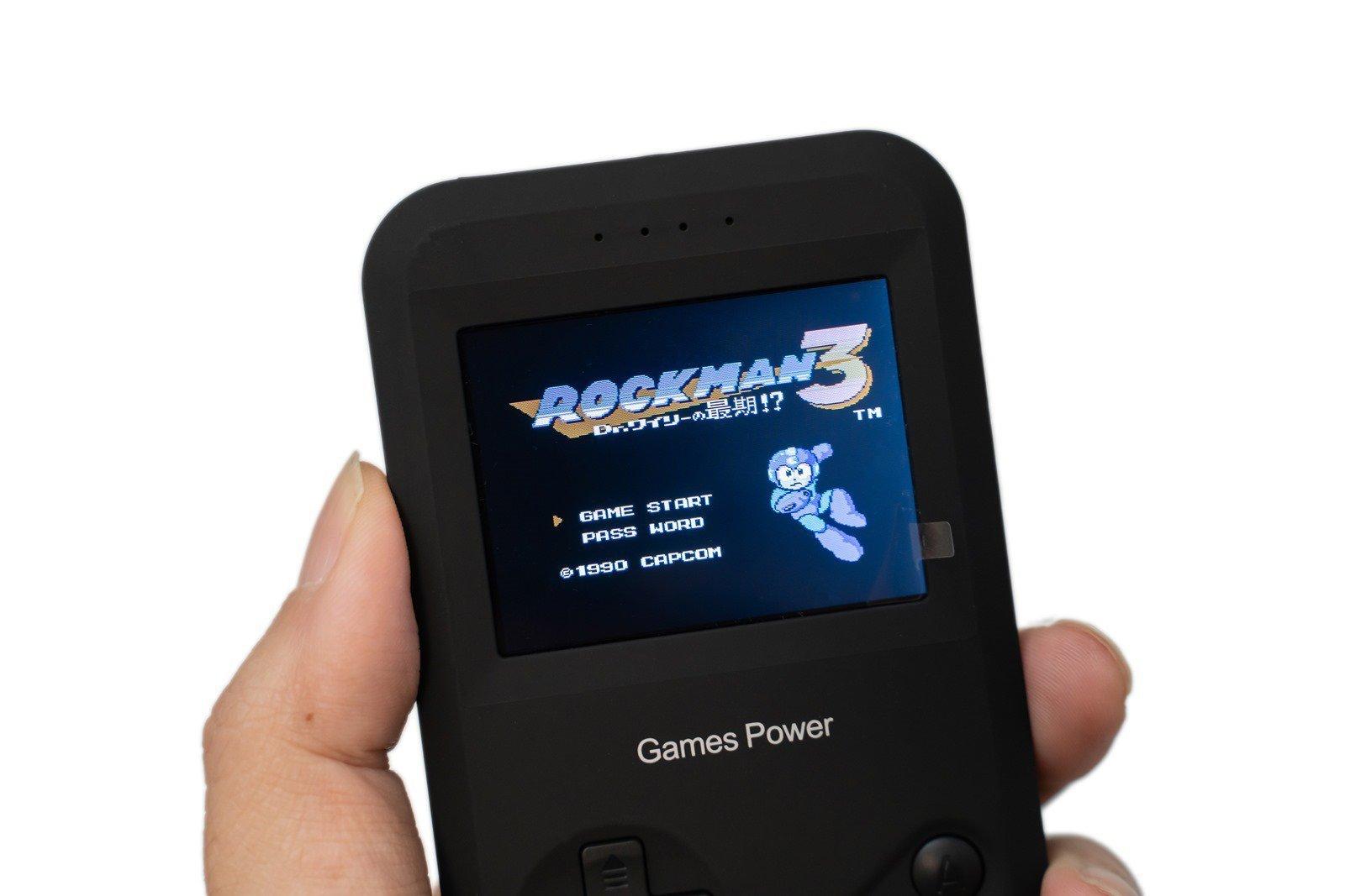【開箱】Games Power經典遊戲機8000mAh行動電源 – 行動電源與復古掌上遊戲機二合一