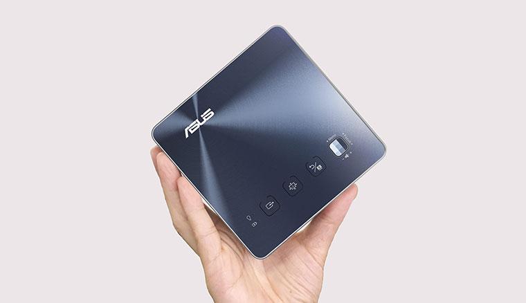 【開箱】華碩推出微型LED無線投影機ASUS ZenBeam S2,1公尺投射40吋大畫面還能當行動電源