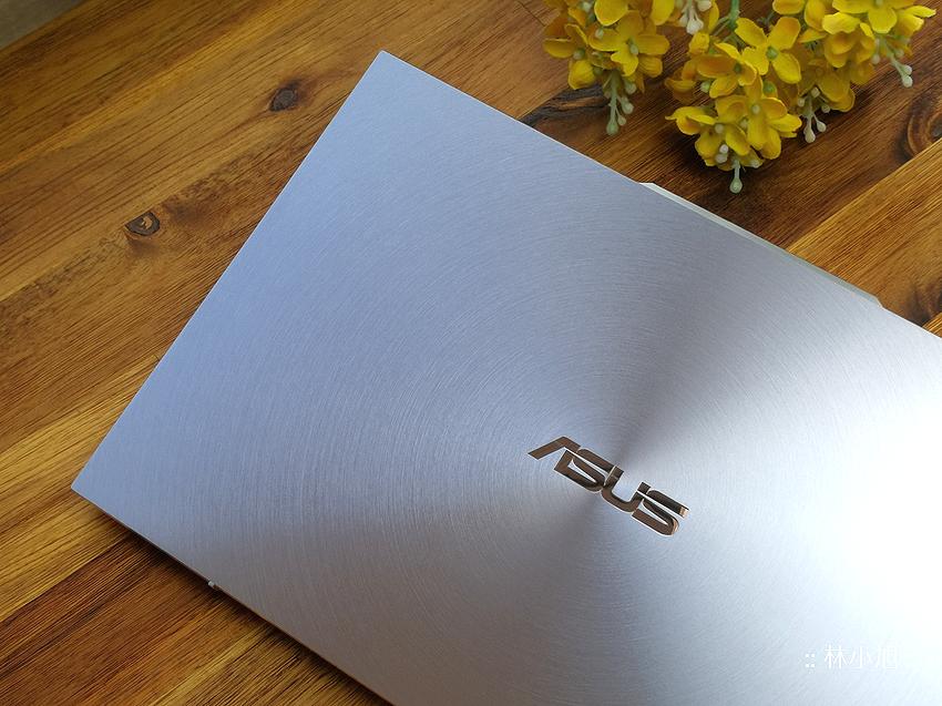 【開箱】 97%螢幕佔比的世界最薄獨顯筆電ASUS 冰河藍 ZenBook S13 UX392