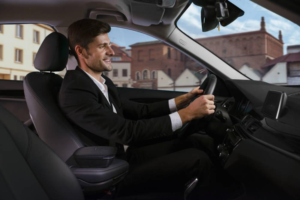 德國Bosch推出車用空氣清淨機 大風量5分鐘循環快速淨化空氣 讓駕駛保持精神舒暢