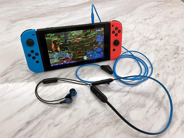 【開箱】JLab Play無線電競藍牙耳機-高通藍牙5.0,超低延遲搭配11小時續航,玩遊戲更勝對手!