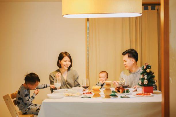 康寧餐具,讓孩子一起參與的聖誕大餐,健康美味快速上桌!