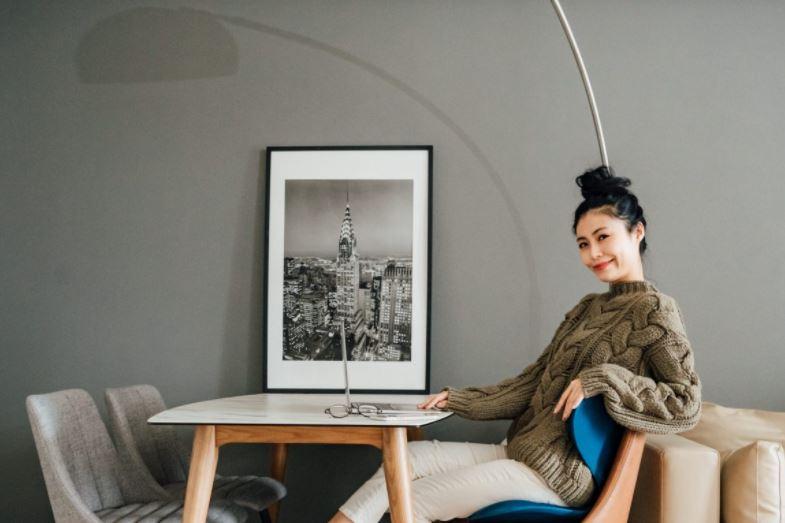 最舒服的坐姿也能擁有最完美的體態。日本新型態塑形護脊椅Style SMART輕奢款、Style Recovery Pole 3D身形舒展棒。