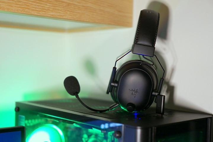 【開箱】Razer BlackShark V2 Pro黑鯊無線耳機,鈦金屬50mm單體成就極佳聲音表現