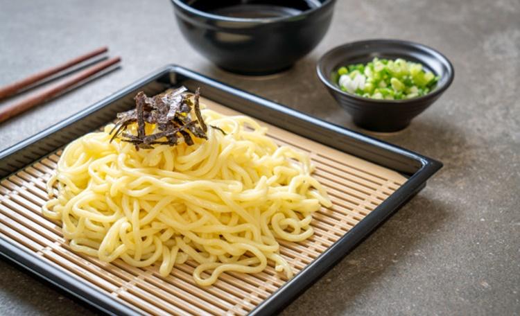 銅板美食宵夜必吃!11間人氣台北涼麵推薦,這幾間夜貓子也能吃得到!
