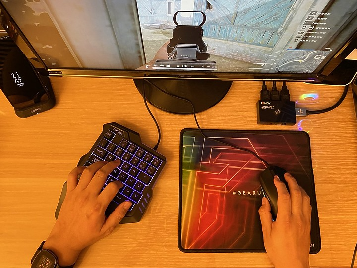 【開箱】單手遊戲鍵盤!FANTECH K512,RGB燈效/巨集設定/35鍵滿足電競遊戲需求
