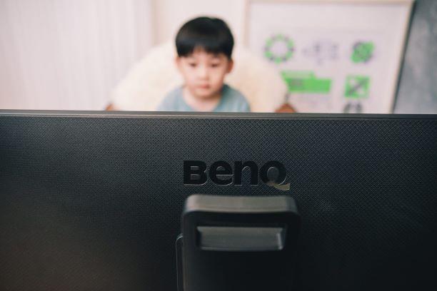 【開箱】保護寶貝們的肩頸與靈魂之窗,BenQ光智慧護眼螢幕BL2780T