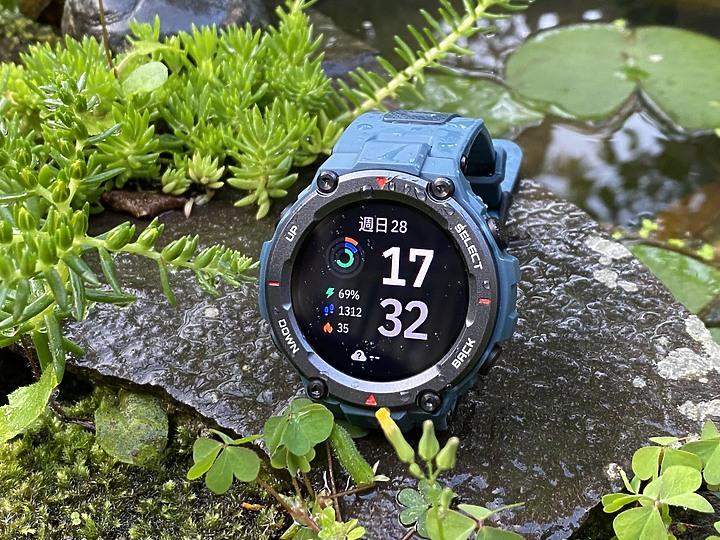 【開箱】Amazfit T-REX PRO|規格升級經典再現,最佳CP值軍規智慧手錶