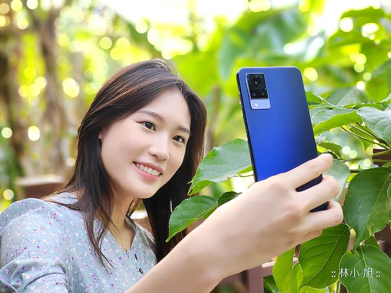 【開箱】前後OIS光學防手震:vivo V21 5G超薄智慧型手機
