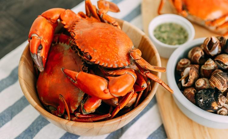 螃蟹怎麼挑?怎麼吃?4種吃蟹技巧與3工具讓你輕鬆享受秋天螃蟹的鮮美滋味!